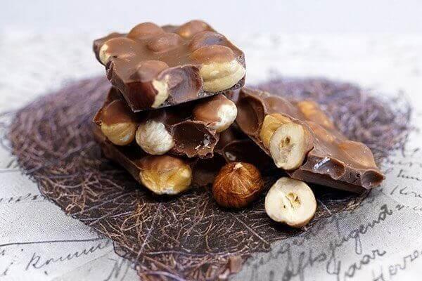 Chokolade med nødder